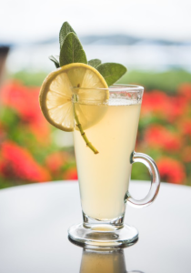 Christmas with a Twist Cocktail: a Honey Sage Toddy!